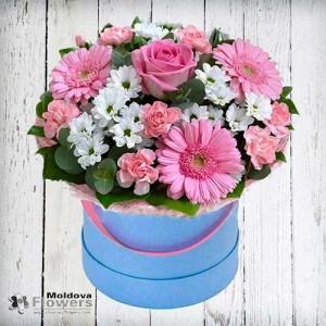 Buchet de flori în cutie de pălării #1