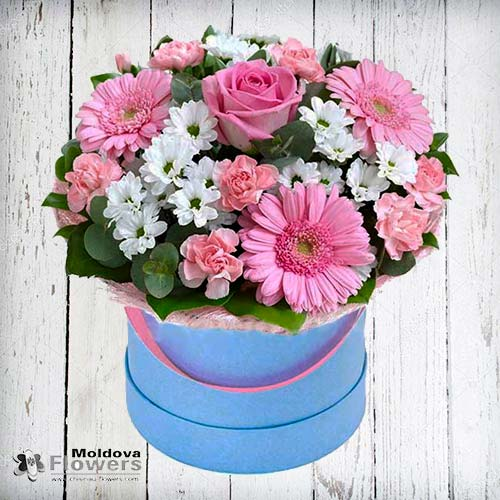 Букет цветов в шляпной коробке № 1