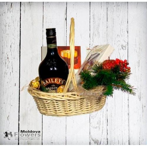 Liqueur gift basket
